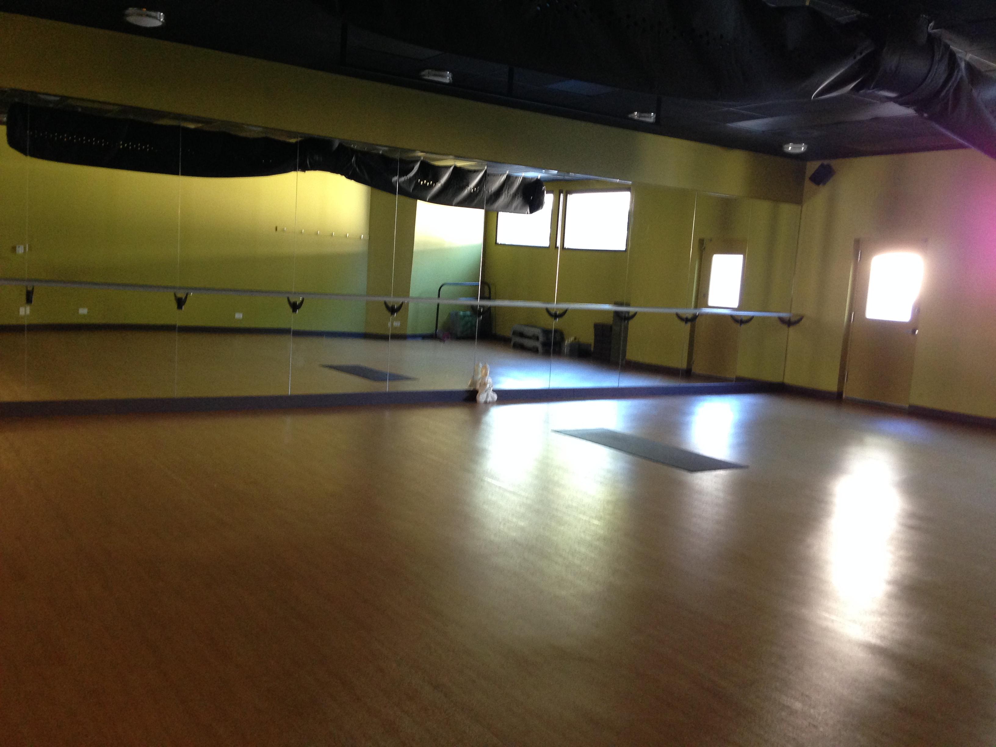 Zen Vin Yin Vino At Zen Yoga Garage Fab Fit Chicago